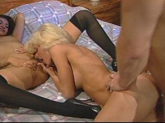 These two honnies share big daddys load