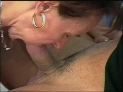 Young guy loves fucking older women -...