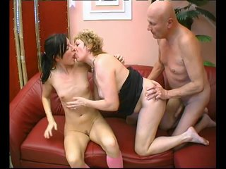 Brunette Kissing Naturaltits video: Fun For Three - Julia Reaves