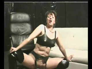 Milf Mature Strapon video: Kink Day - Julia Reaves