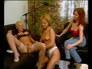 Brunette Euro Fingering video: Three women, one desire - Julia Reaves
