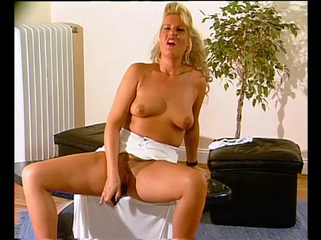 Pyra price and charley hart eating each other 4