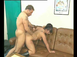 Cocksucking Cumshot Dickriding video: Fucking On The Couch - Julia Reaves