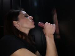 Cum swallowing milf loves the gloryhole