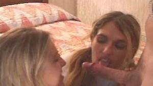 Brooke Hunter Deepthroat Shares With Blonde