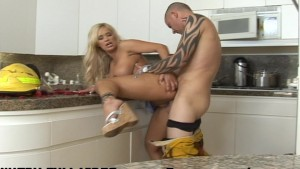 Shyla Stylez - C mon Baby Light my Fire!