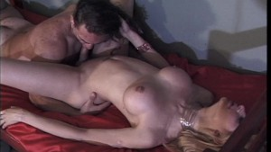 Sexy lady gets pleasure from her dick