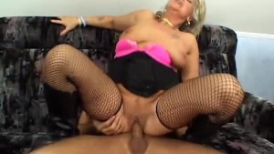 Cougar in fishnets fucked