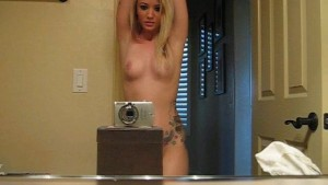 Tattooed Amateur Sexy Dance In The Bathroom