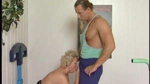 He massages her, she blows him