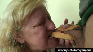 Fast food granny fucked