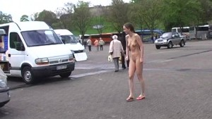 Nadine - Naked Chick Has Fun In Public Streets