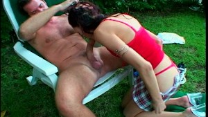 Layla loves to give head