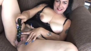 Mature amateur has a big orgasm