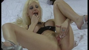Hot holes get pounded - DBM Video
