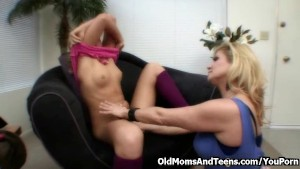 Teeny seduced by blonde MILF