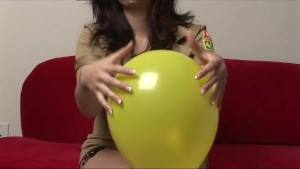 Watch Me Rub My Boobs On A Balloon - Sologirlcontent