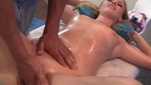 blonde in oil squirt make a massage