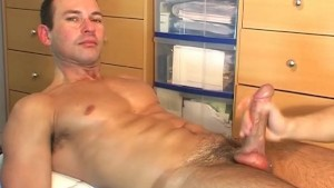 marco, a real straight man serviced by a man in spite of him ! – Gay Porn Video