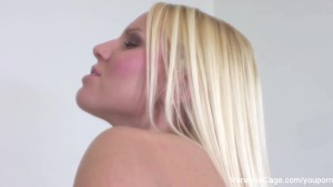 Vanessa Cage Eats Sweet Pussy