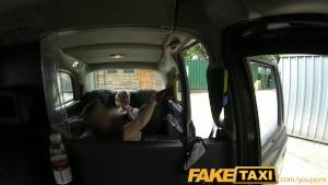 follar en un taxi tiene su morbo