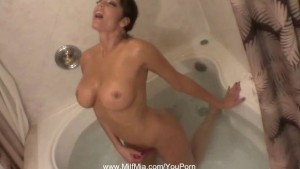 MILF Bathtub Photo Shoot