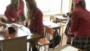 Schoolgirls go nasty in hot te