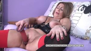 Curvy MILF Sandie Marquez fuck