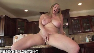 Nude Chef Maggie Green Plays With Her Pussy on Kitchen Counter!