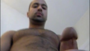 French arab sport guy is wanking his big cock on video !