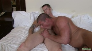 ActiveDuty Quentin & Brad Does BAREBACK