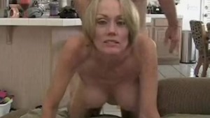 Creampie For Amateur GILF Mom
