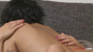 Innocent Massage turns into passionate Lesbian Sex !