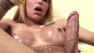 Naughty tranny with fetish for gloves jerks off and cums