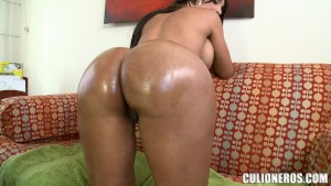 Bored and lonely housewife zp9682