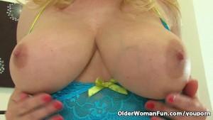 British finest milf Lucy Gresty loves fingering her mature pussy