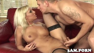Fishnet escort cockriding during anal