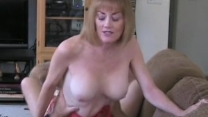 milf fucking dick on the couch