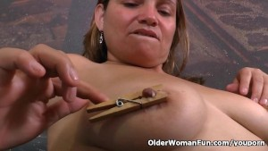 Latina milf Allison plays kink