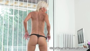 Euro milf Sunny starts pounding her pussy with a dildo