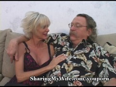 Hot Mature Gives Show 4 Hubby