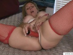 Amateur housewife enjoys extreme orgasm