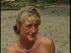 Guy nails blonde on private beach while dork watches