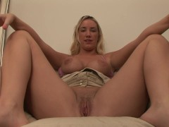 Mandy The MILF Shows Off The Goods - DreamGirls