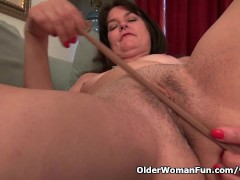 Pantyhosed milf Lani Lee strips off and plays