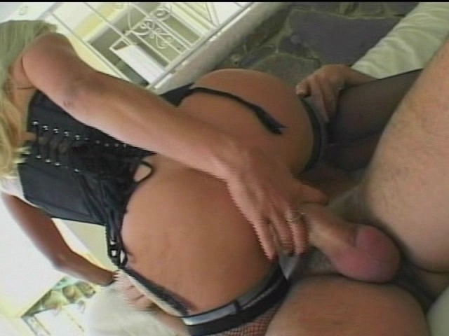 Missionary style sex fuck