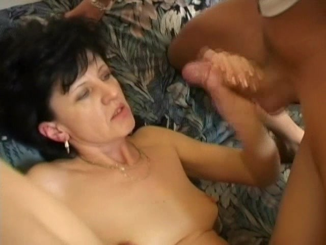 Viewing sexy free sex videos lesbian cougars eating her