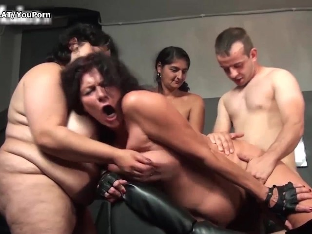 Interracial fuck on collegeparties