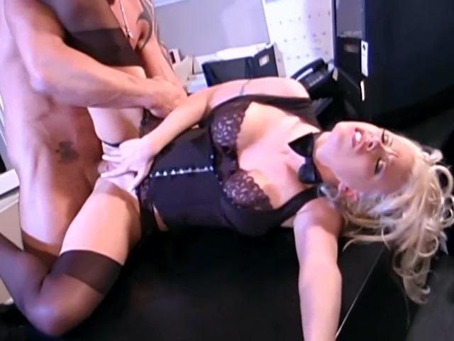порно видео жестокий трах секретарш в чулках и колготках