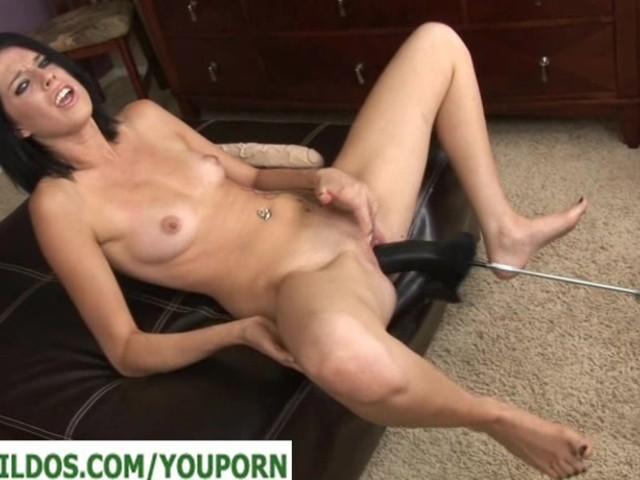 brunette pige dildo sex